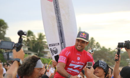 Billabong Pipeline Masters: Unlikely Upsets Make for Wild Finish