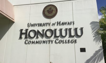 UH Scholarship Program Hopes to Close Financial Aid Gap